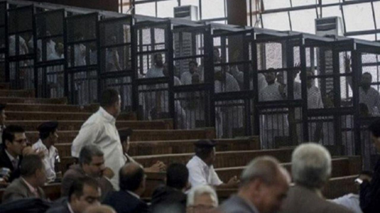 حکم اعدام  ۷۵ تن از اخوانیها