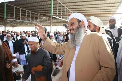 حضور شیخ الاسلام مولانا عبدالحمید در مراسم تشییع جنازۀ مولانا برفی + تصاوير