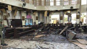 انفجار دو بمب در کلیسایی در فیلیپین دهها کشته و زخمی بر جای گذاشت