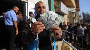 اسرائیل مانع از پرداخت ١٣ میلیون دلار به نوار غزه شد
