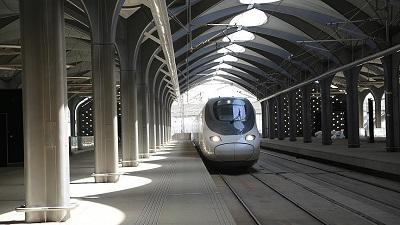 افتتاح قطار سریعالسیر بین مکه و مدینه