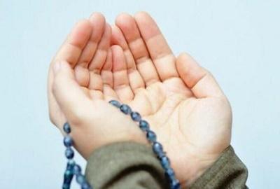 آیا ذکر و دعا به تنهایی کافیست؟
